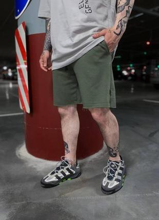 Мужские трикотажные спортивные шорты с карманами сбоку хаки зелёные
