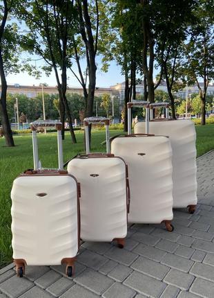 Акция !!!!отличное качество,wings,польский бренд,все размеры ,дорожная сумка,сумка на колёсах ,валіза5 фото