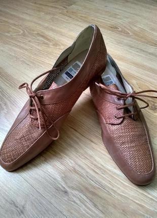 Renzo formentini кожаные туфли с перфорацией на шнурках