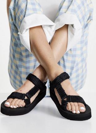 Босоножки сандали new look