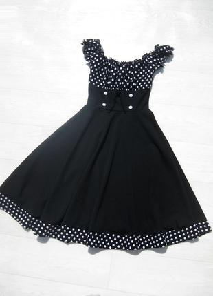 Платье чёрное в горошек с пышной юбкой в стиле ретро открытые плечи