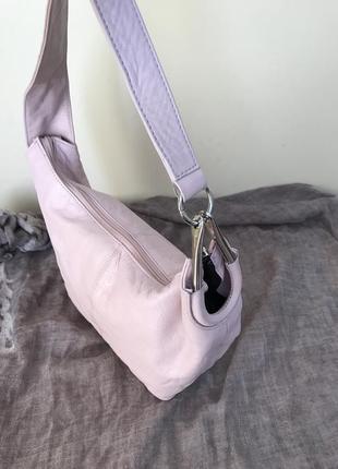 Летняя сумка багет из мягкой кожи италия