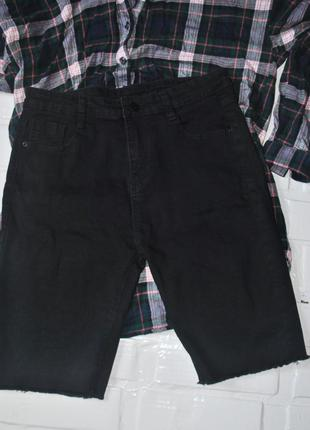 Черный джинсовые шорты средней длины