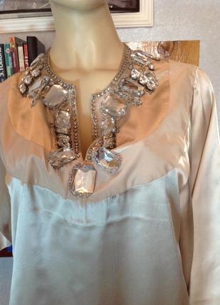 Шелковое платье в бельевом стиле с камнями бренда by malene birger, р. 46