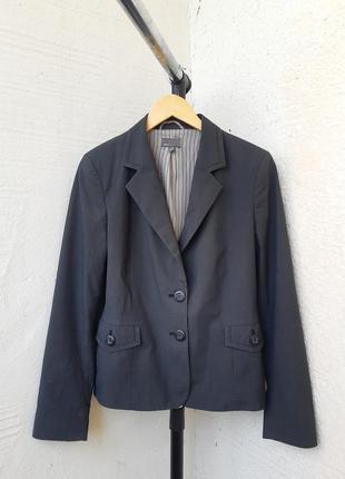 Простой серый женский пиджак 40 р