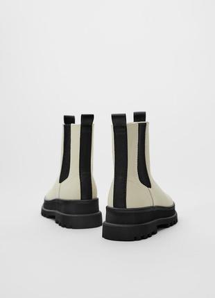 33 размер новые фирменные ботинки сапоги с объёмной подошвой стильной девочке зара zara