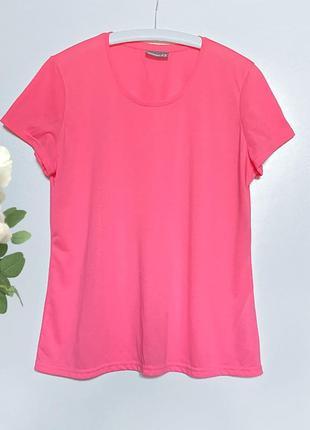 Яркая розовая трикотажная футболка l-xl-xxl