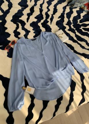 Шифоновая блуза с декольте