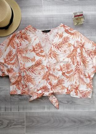 Актуальный топ короткая блуза с узелком рубашка короткий рукав