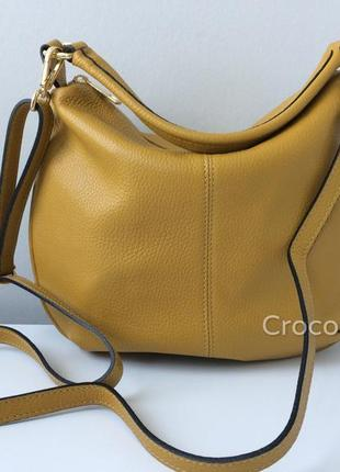 Удобная минималистичная итальянская сумка-хобо 29595 с длинным плечевым ремешком
