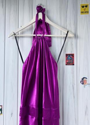 Шикарное атласное платье в пол с открытой спиной4 фото