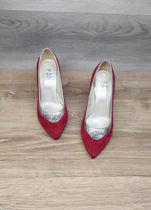 Замшевые туфли на шпильке 37 размера (модель 2012)