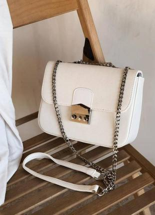 Маленькая женская сумочка клатч на плечо с длинной цепочкой1 фото