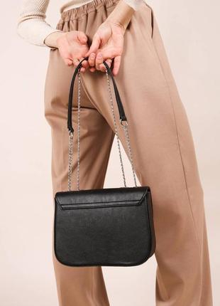 Маленькая женская сумочка клатч на плечо с длинной цепочкой4 фото