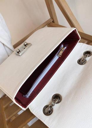 Маленькая женская сумочка клатч на плечо с длинной цепочкой7 фото