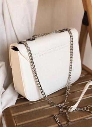 Маленькая женская сумочка клатч на плечо с длинной цепочкой8 фото