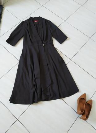 Стильне дизайнерське плаття roberto bartolini