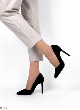 Туфли на шпильке лодочки на высоком каблуке