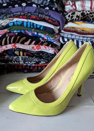 Туфли лодочки, яркие туфли, на каблуке