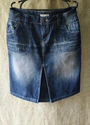 Джинсовая юбка yessica. синий коттон классический деним прямая.