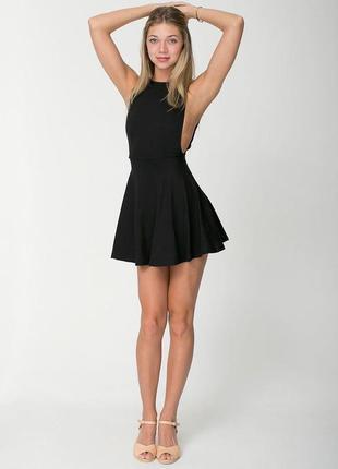 Короткое чёрное платье с открытой спиной american apparel сша