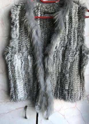 Шикарная меховая безрукавка нитка кролика soyaconcept размер м