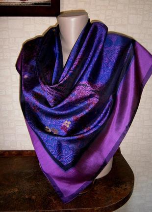 Красивый платок из натурального шелка с ручной росписью.1 фото