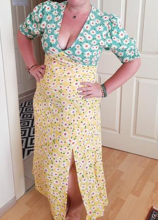 Новое платье супер яркое и легкое в ромашки