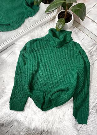 Зелёный свитер oversize
