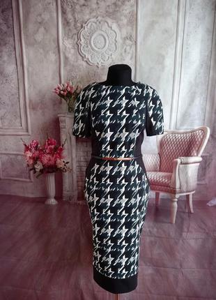 Мега стильное платье футляр миди
