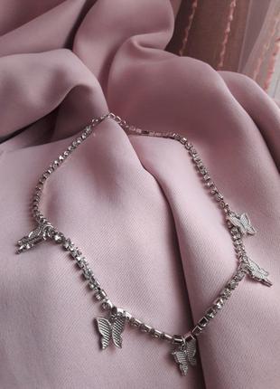 Чокер блестящий с бабочками винтаж серебристый с камнями стразы,колье,ожерелье,цепочка,цепь,ланцюжок