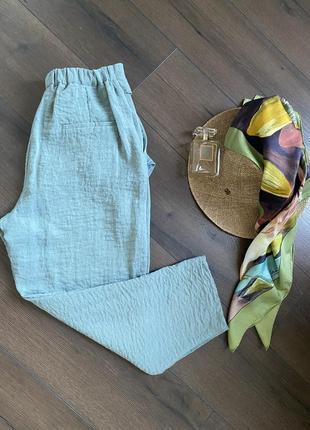 Стильные летние брюки мятного цвета