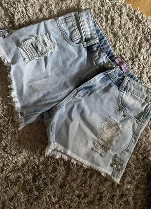 Джинсовые шорты на худенькую девочку новые