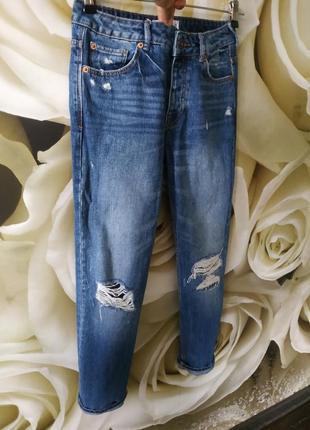 Шикарные бойфренды джинсы рваные от mango