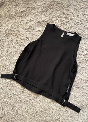 1+1=3 стильная черная майка блуза с разрезами топ