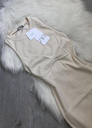 Трендовое платье с акцентным швом под грудью5 фото