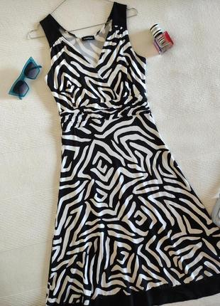 Трикотажное платье миди зебра