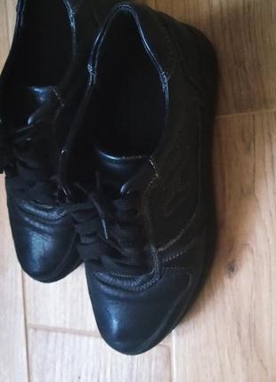 Красовки ,туфлі