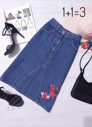 Bay стильная джинсовая юбка m миди с вышивкой прямая трапеция джинс на талию карандаш