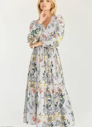 Цветочное платье с воланом на подоле размер л