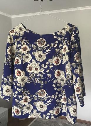 Нарядна блузка в ромашки