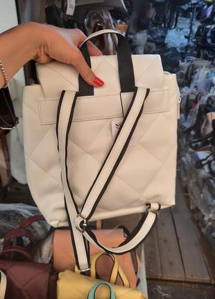 Рюкзак белый стеганый2 фото
