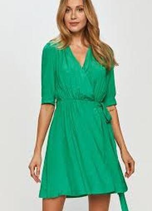 Красивое платье в мелкий горох