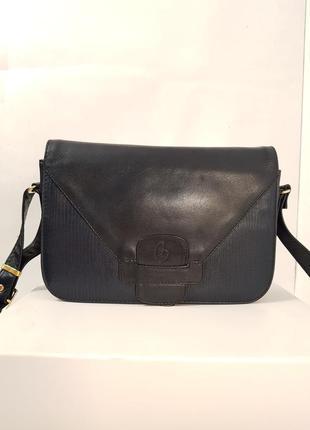 Породистая кожаная сумка crossbody guiliano dorre италия2 фото