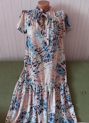 Крутое платье прямого кроя
