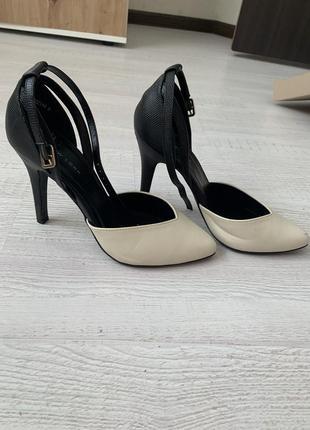 Туфли на каблуках3 фото