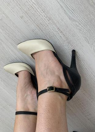 Туфли на каблуках4 фото