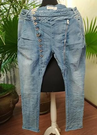 Новые, стильные джинсы, оригинальный крой, батал, 20-22 размер
