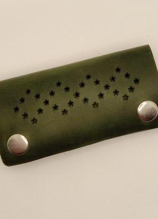 Зеленая кожаная ключница ручной работы