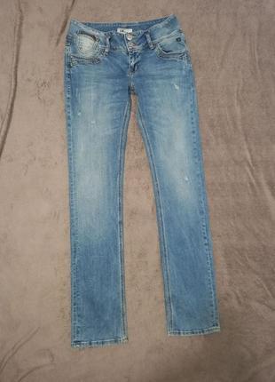 Новые штаны джинсы женские стрейчевые